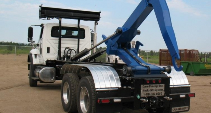 HL40K20J54 - TRUCK 40K HOOK LIFT-  JIB SYSTEM- 20 foot bed - For 16 foot to 22 foot Containers